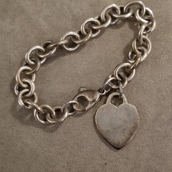 8062f8bc7 Auth Tiffany & Co 925 heart tag bracelet. M_5c796c7612cd4a4a67b48ed3